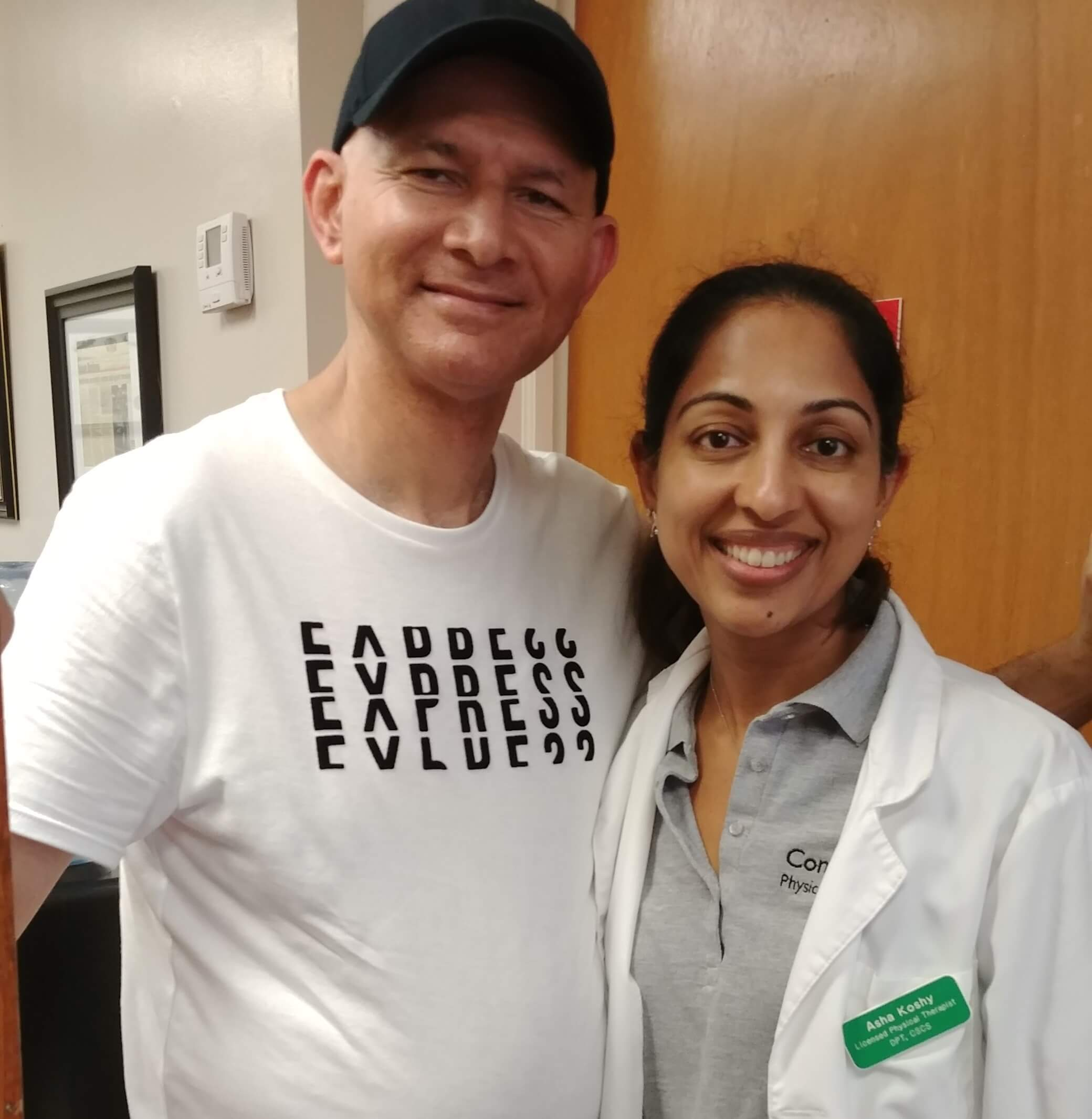 elizabeth physical therapy specialist dr. asha pumarada and knee pain patient Rubin